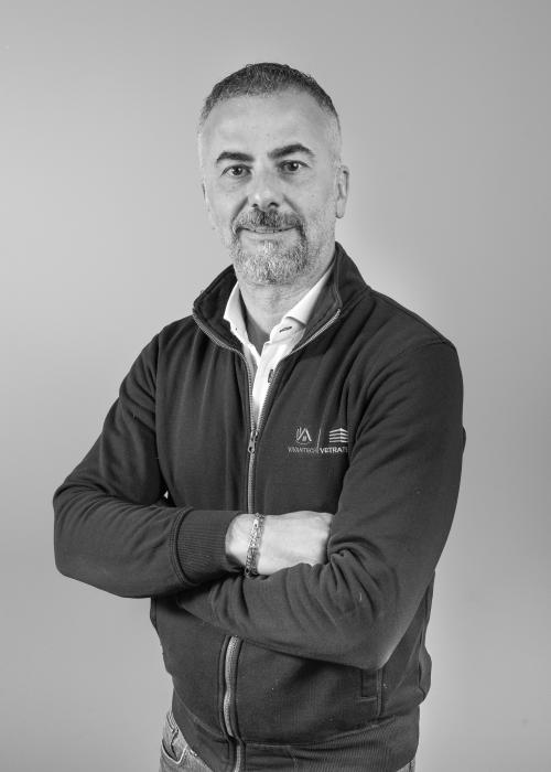 Vincenzo R. Founder & general manager